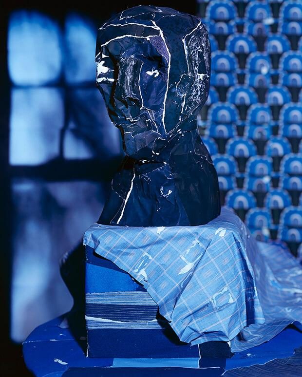 Daniel Gordon. Midnight Blue Bust, stampa cromogenica - 2012 - testa blu