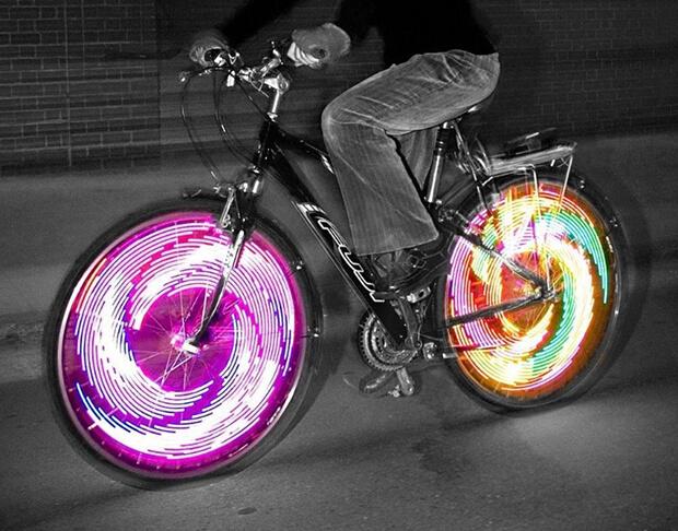 Martino-Gamper. Luci in bici - opera in movimento