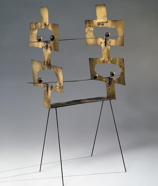 Fausto Melotti. Senza perchè, 1974, Ottone , 84 x 57,5 x 28 cm.