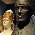 Bellezza divina. Giacomo Manzù. Grande cardinale, 1955, bronzo, cm. 209 x 114 x 130. Fondazione Musei Civici, Venezia. Photo: © Katarte.it