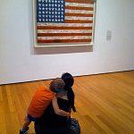 Ammirando la bandiera di Jasper Johns