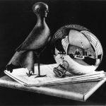 Escher. Natura morta con specchio sferico, 1934. Litografia