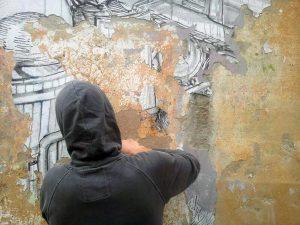 Blu: lo street artist cancella i murales a Bologna