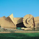 Arnaldo Pomodoro. Moto terreno solare, 1989-1994. Cemento, h da 3 a 9 m x 90 m. Marsala, Simposio di Minoa (foto Ermanno Casasco)
