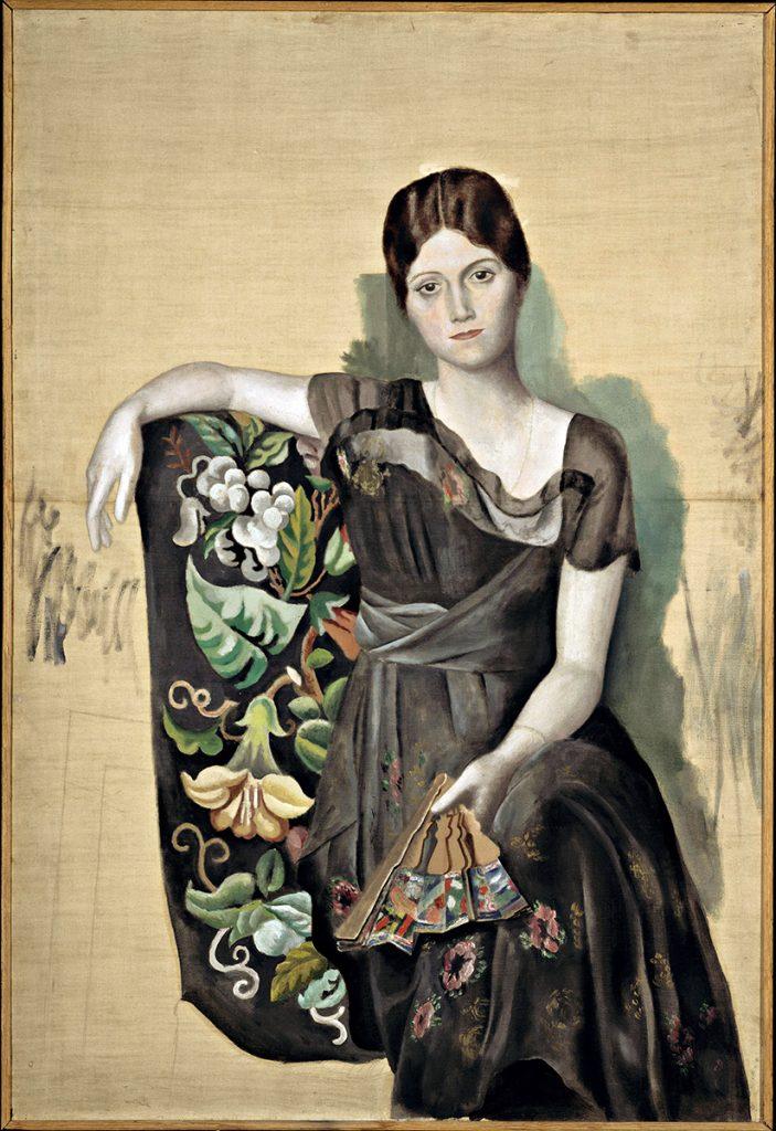 Picasso. Portrait d'Olga dans un fauteuil (Ritratto di Olga in poltrona), 1918. Olio su tela, cm 130x 88,8